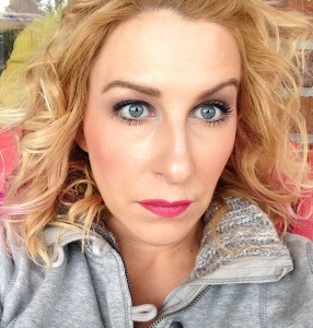 Arica's beauty blog using bravon beauty