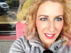 bravon beauty raspberry lipstick aricas  beauty blog